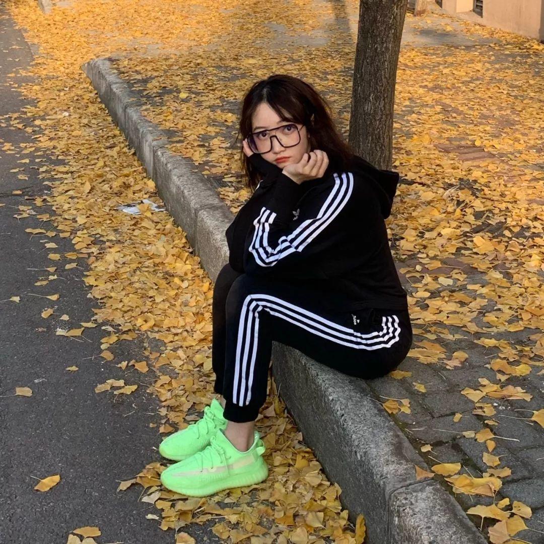 人间Gucci女?高二同学《球鞋从入门到毕业》。。