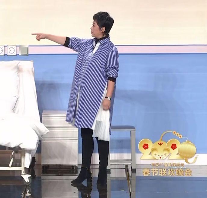 春晚带带货?马丽穿sacai演小品、佟丽娅终极比心、吴磊吓的满头汗!