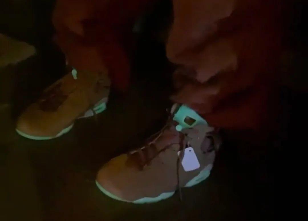 实锤!Travis Scott故意晒出AJ6联名鞋+卫衣,锁定限量发售!