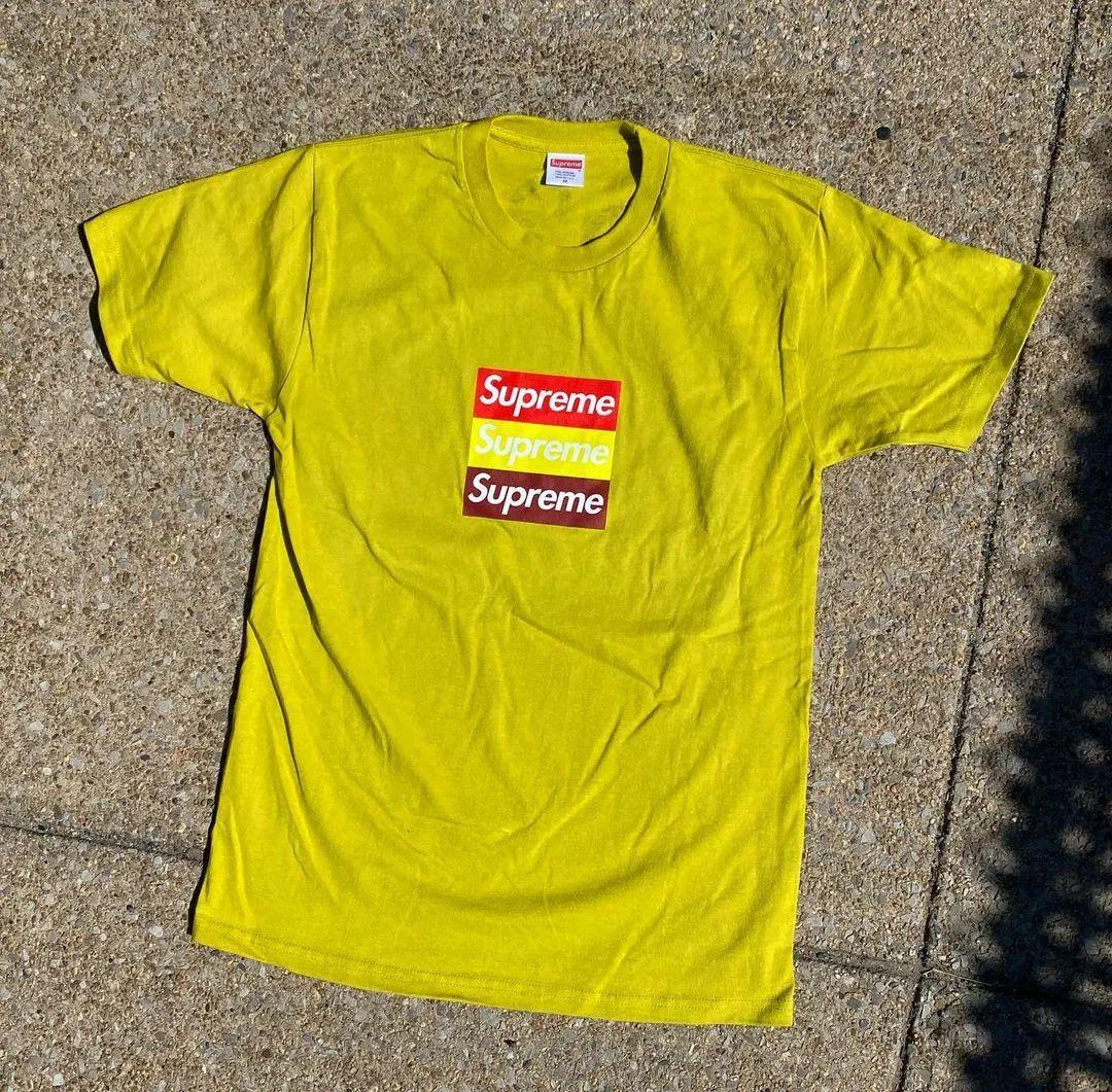 卖FAKE的要和Supreme联名!印3个Box Logo的T恤将发售!